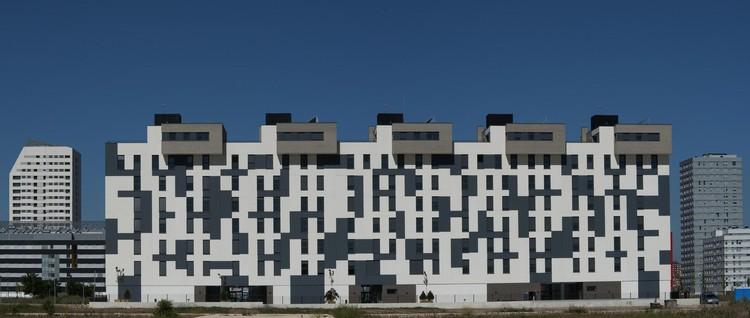 Edificio de 63 Viviendas en Arkayate / Patxi Cortazar, © César San Millán