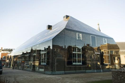 © Persbureau van Eijndhoven