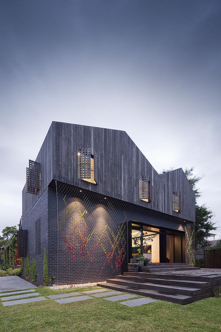 Twin Peaks House / Jackson Clements Burrows Architects, © Shannon McGrath