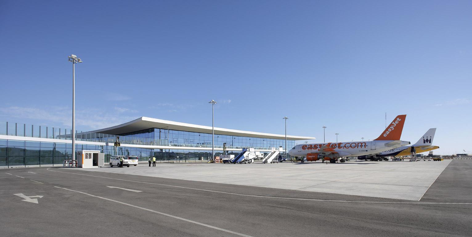 Gibraltar Airport / Blur Architects + 3DReid Architects
