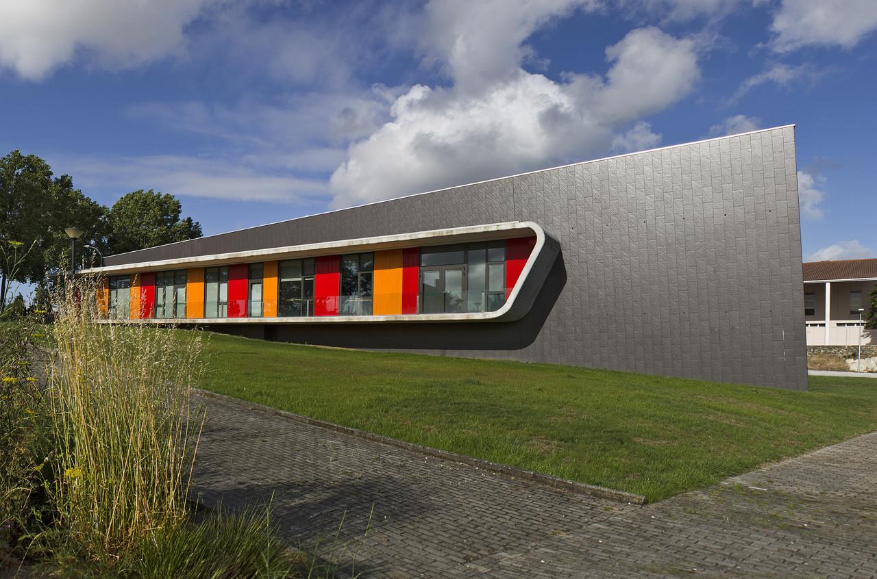 Escola de dan a em oleiros naos arquitectura archdaily for Plantas de colegios arquitectura