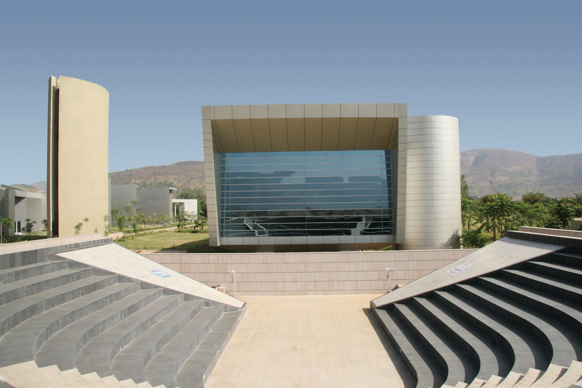 Samundra Institute of Maritime Studies / Christopher Charles Benninger Architects