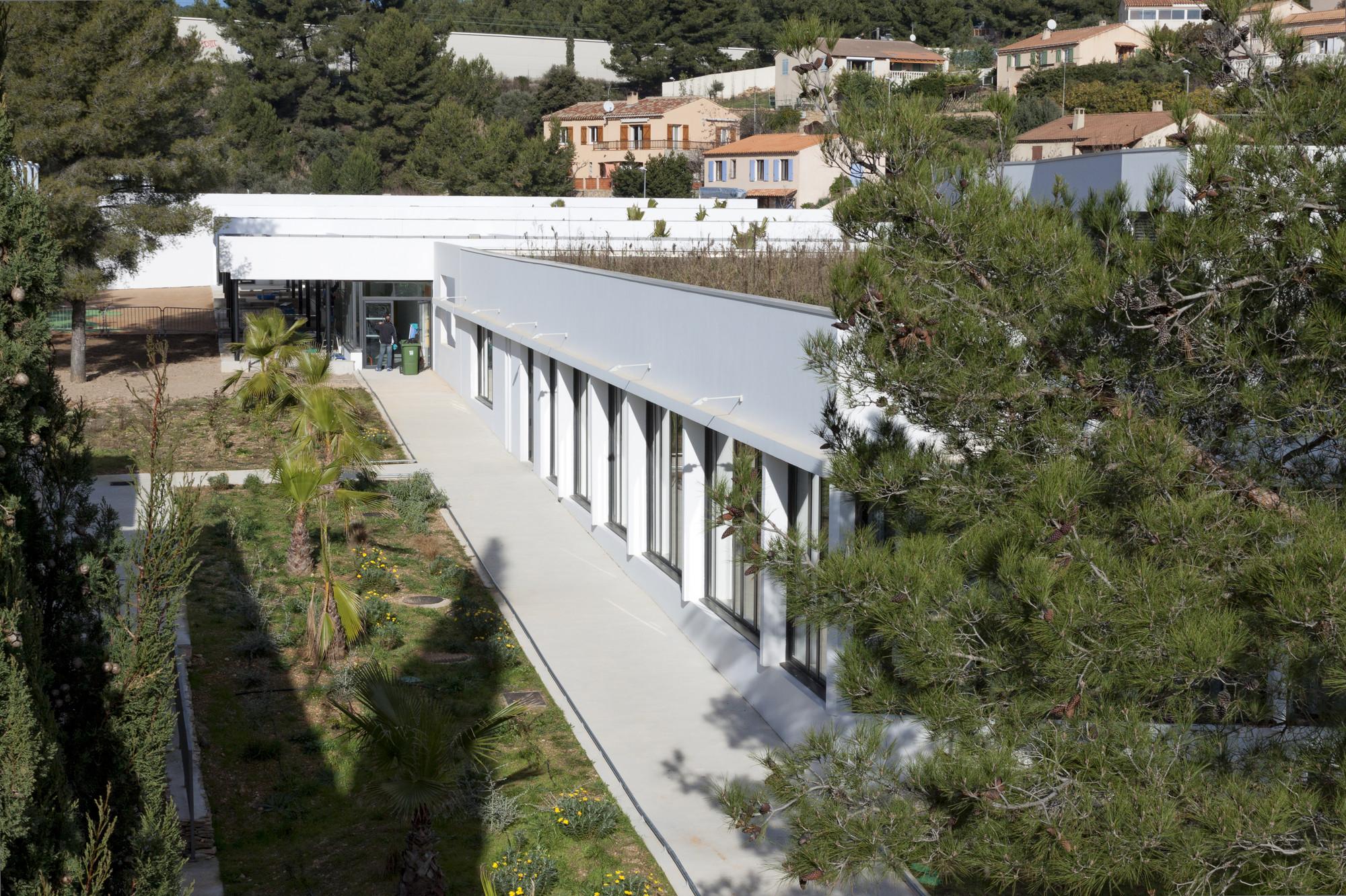 """Kindergarten """"Les Séveriers"""" / Pirollet Architectes"""
