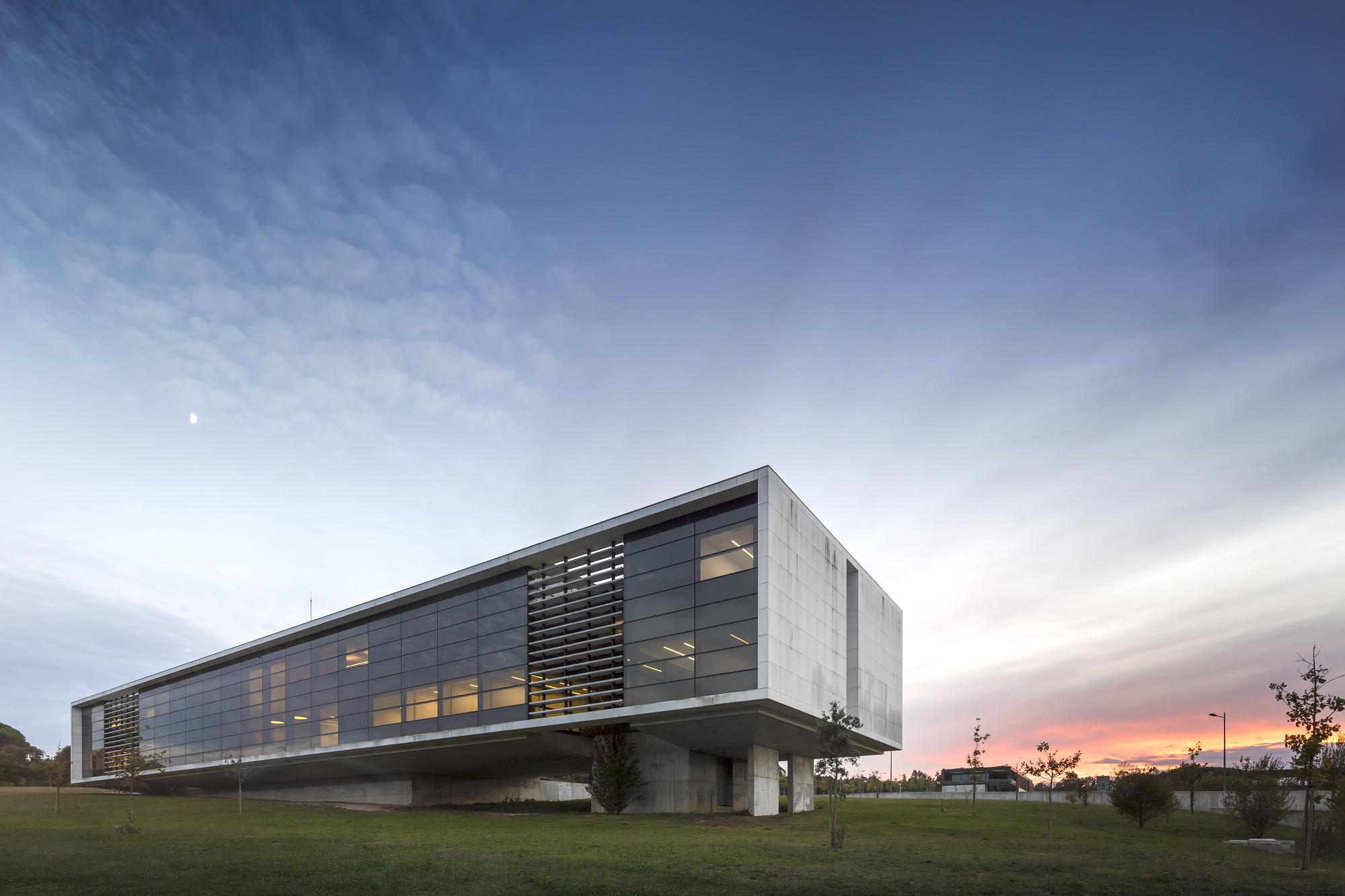 Agros Headquarters / Rocha Leite Arquitectos Associados, © Fernando Guerra | FG+SG