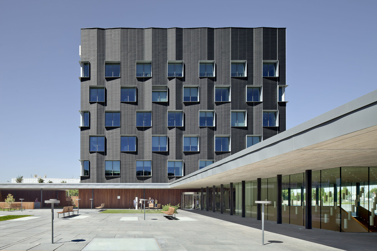 Gallery of banc sabadell headquarters bach arquitectes 4 - Arquitectes sabadell ...