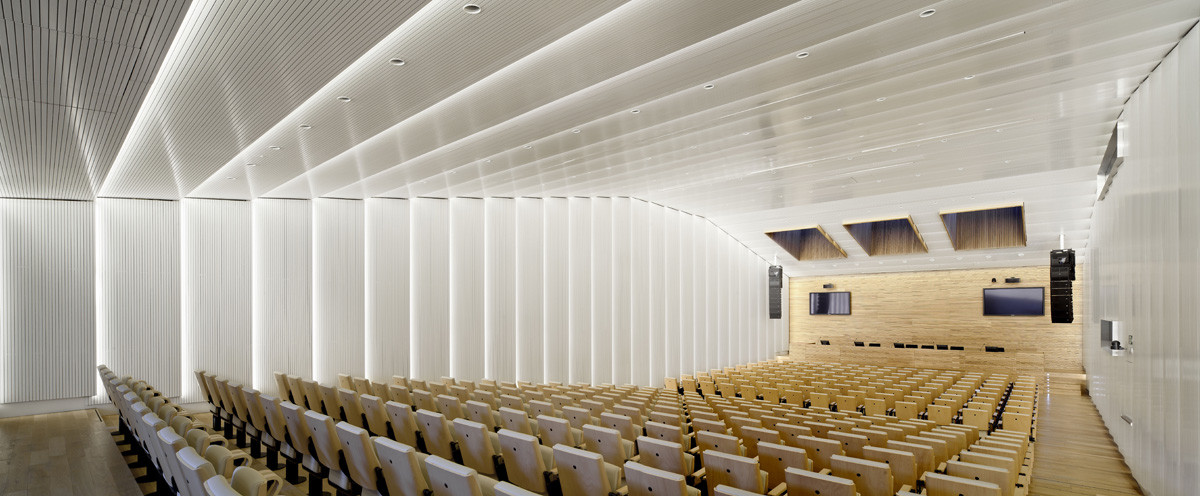 Banc Sabadell Headquarters / Bach Arquitectes
