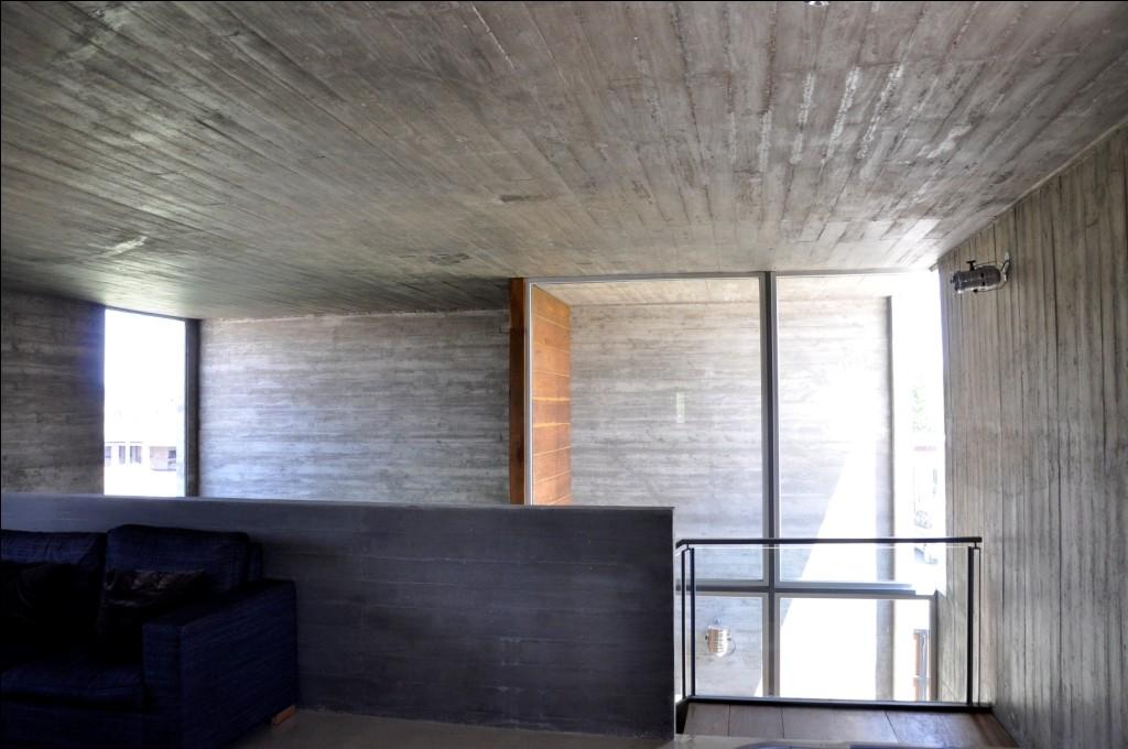 KM House / Estudio Pablo Gagliardo