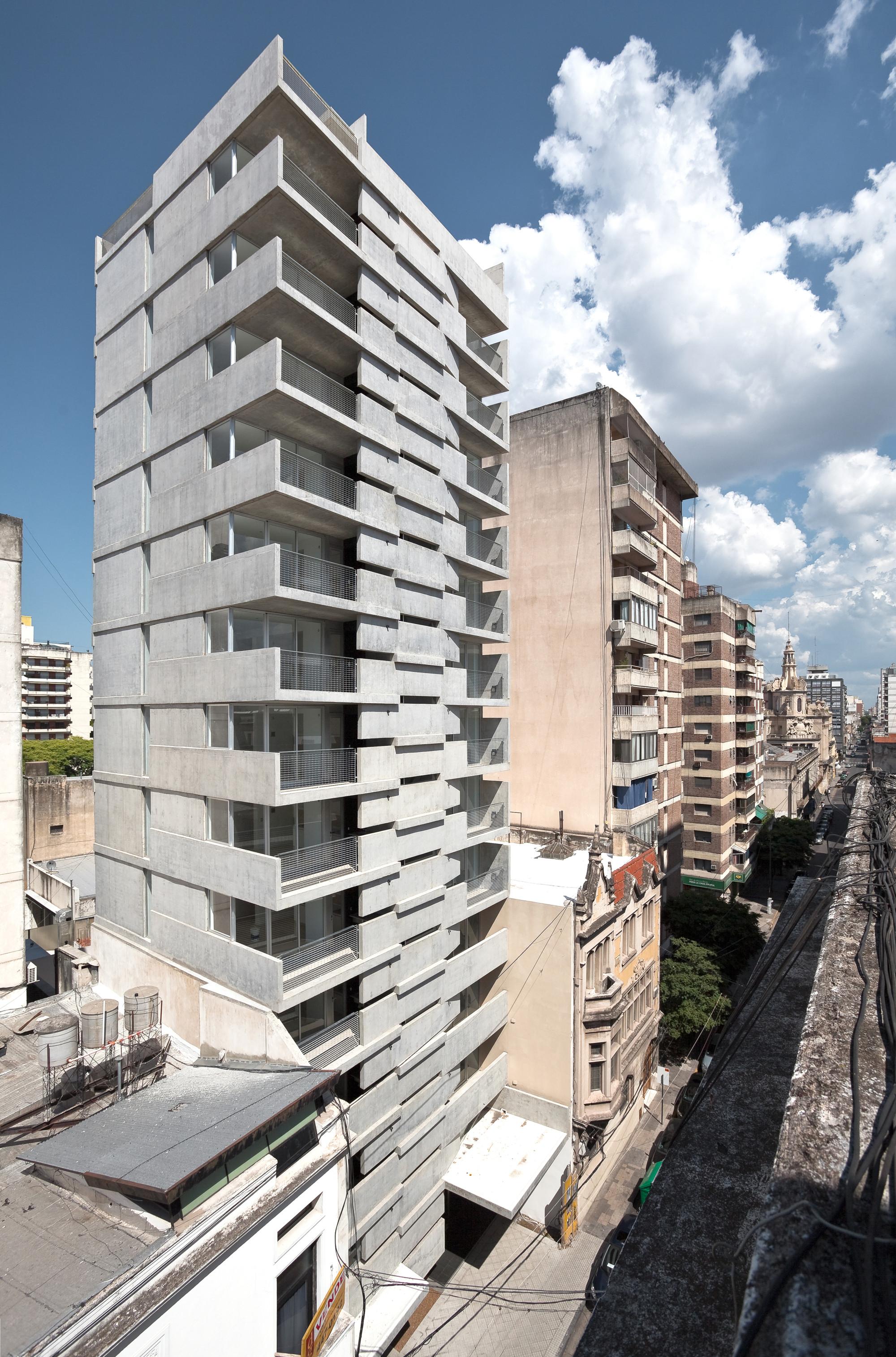 Maipu Building / Nicolás Campodonico, © Walter Salcedo