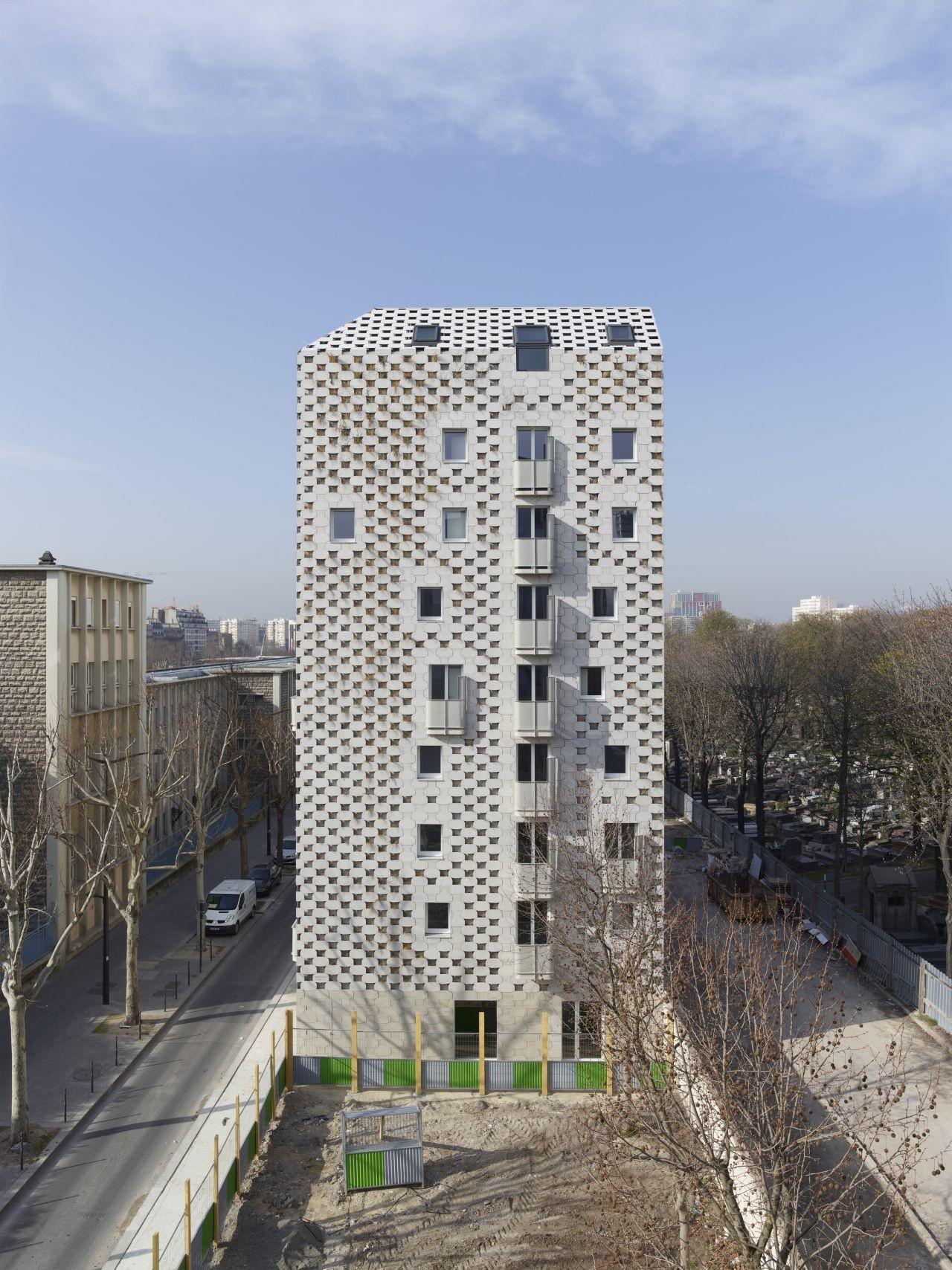 23 Local Authority Housing / Avignon-Clouet Architectes