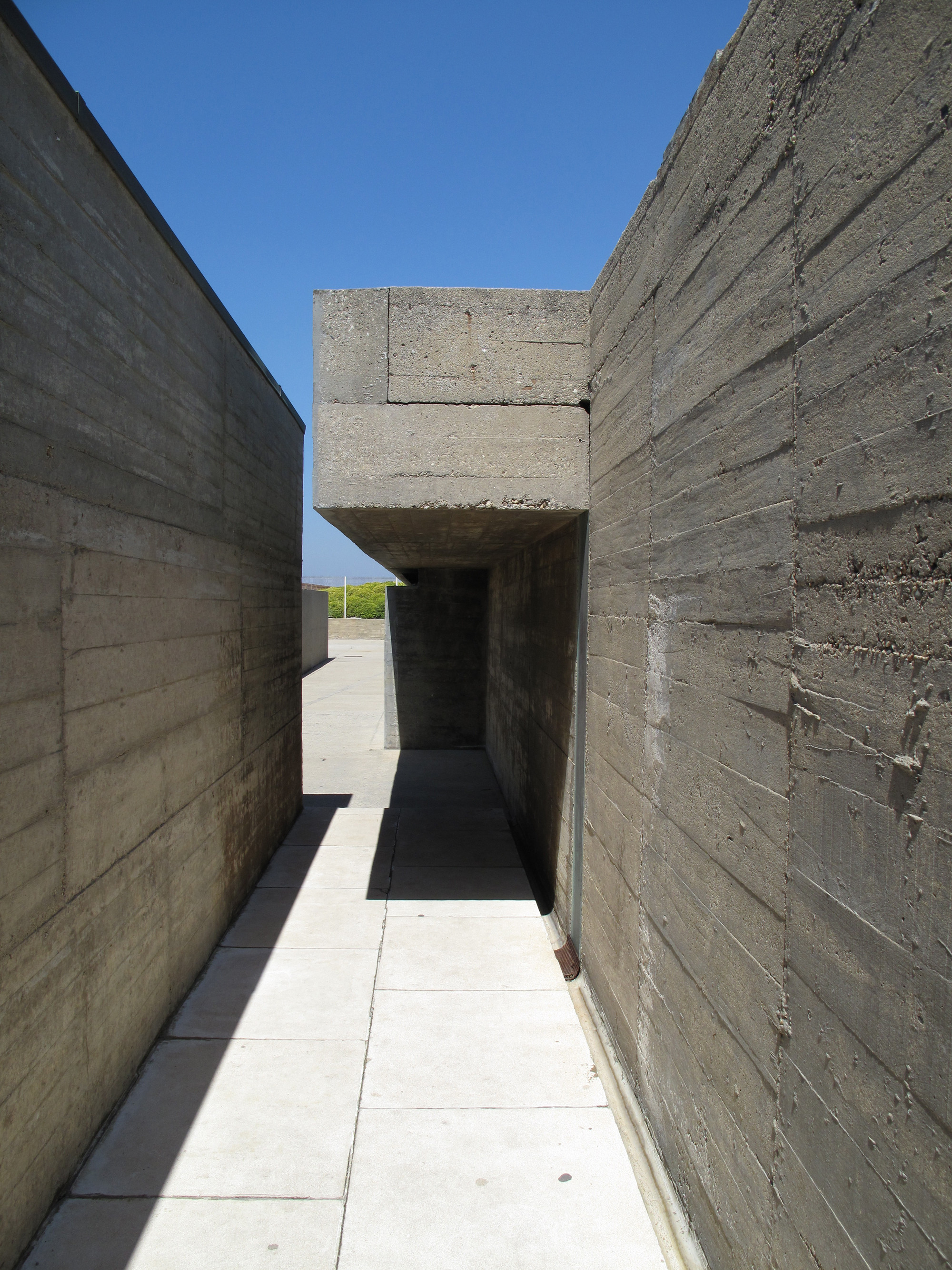 Gallery of ad classics le a swimming pools lvaro siza vieira 7 for Alvaro siza leca swimming pools
