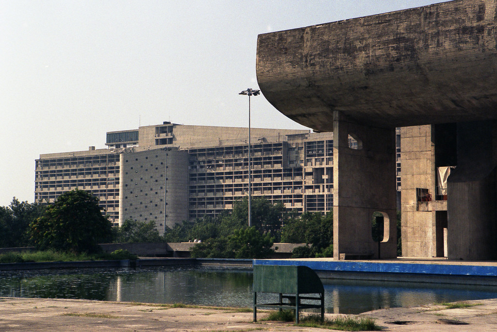 AD Classics: Chandigarh Secretariat / Le Corbusier