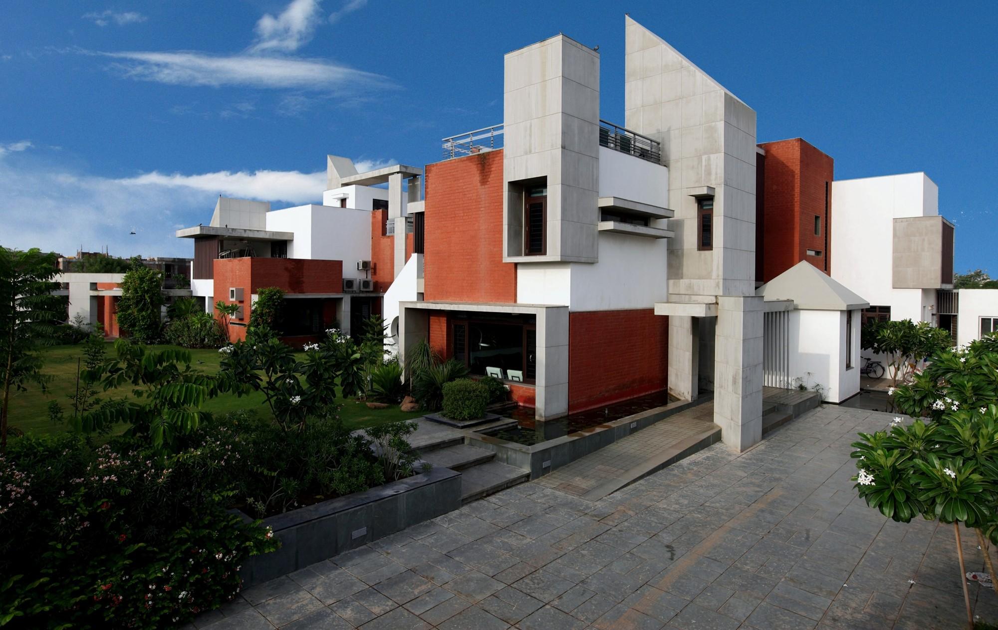 Dual House / VPA Architects