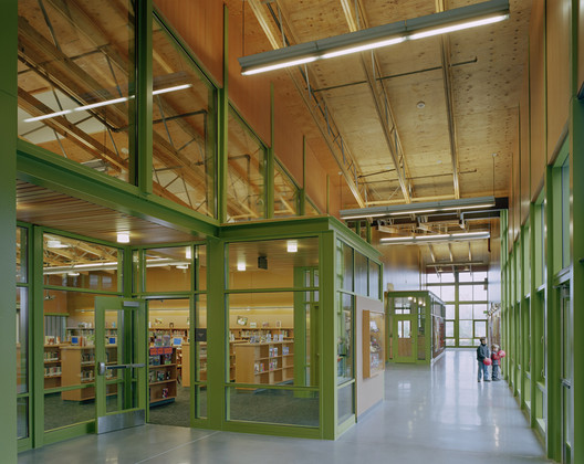 Visual access throughout the building enhances autonomy. Project Name: Rosa Parks Elementary School in Lake Washington School District. Photo by Benjamin Benschneider.