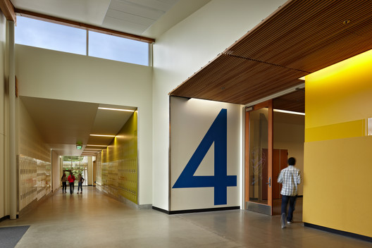 Clarify Wayfinding. Project Name: Finn Hill Middle School in Lake Washington School District. Photo by Benjamin Benschneider.