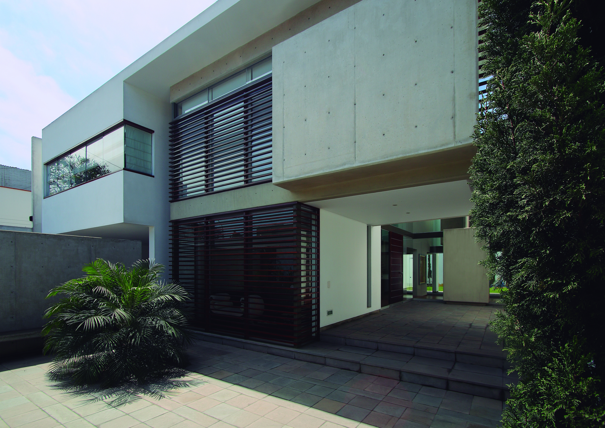 Patio House / Seinfeld Arquitectos