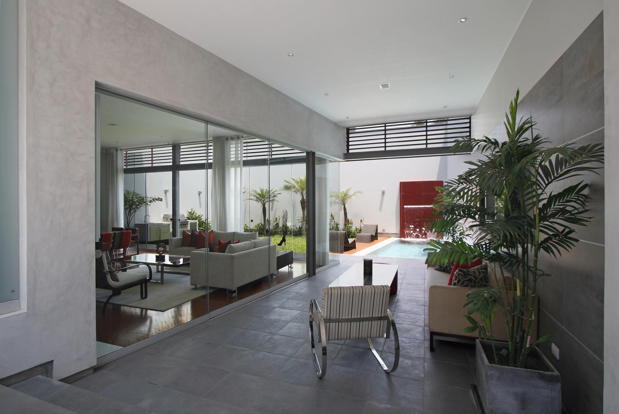 Street House / Seinfeld Arquitectos