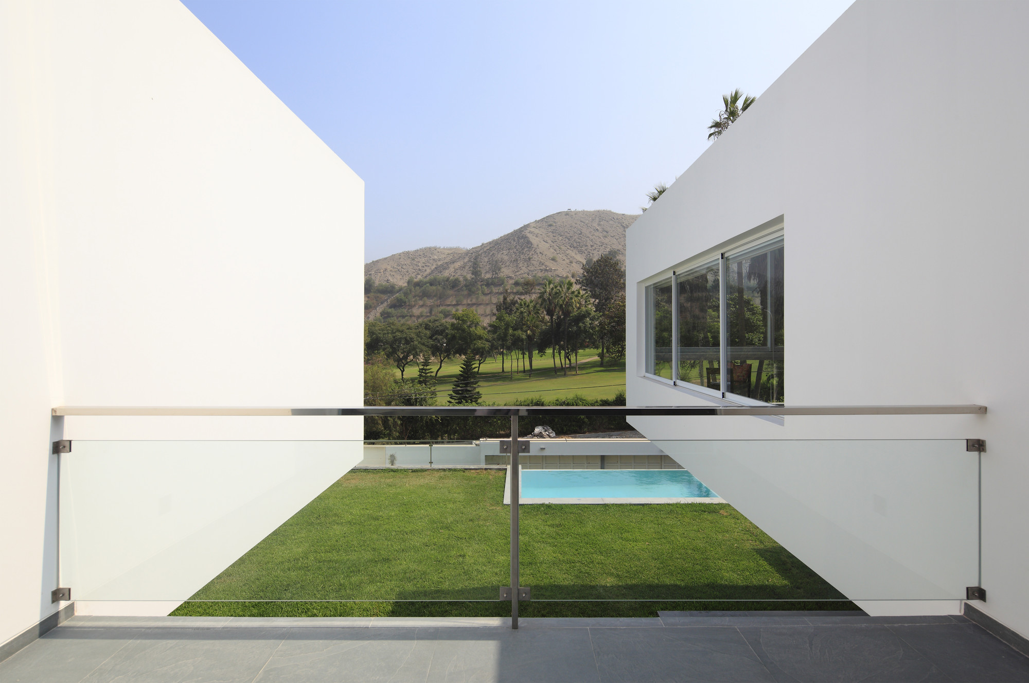 Golf House / Seinfeld Arquitectos