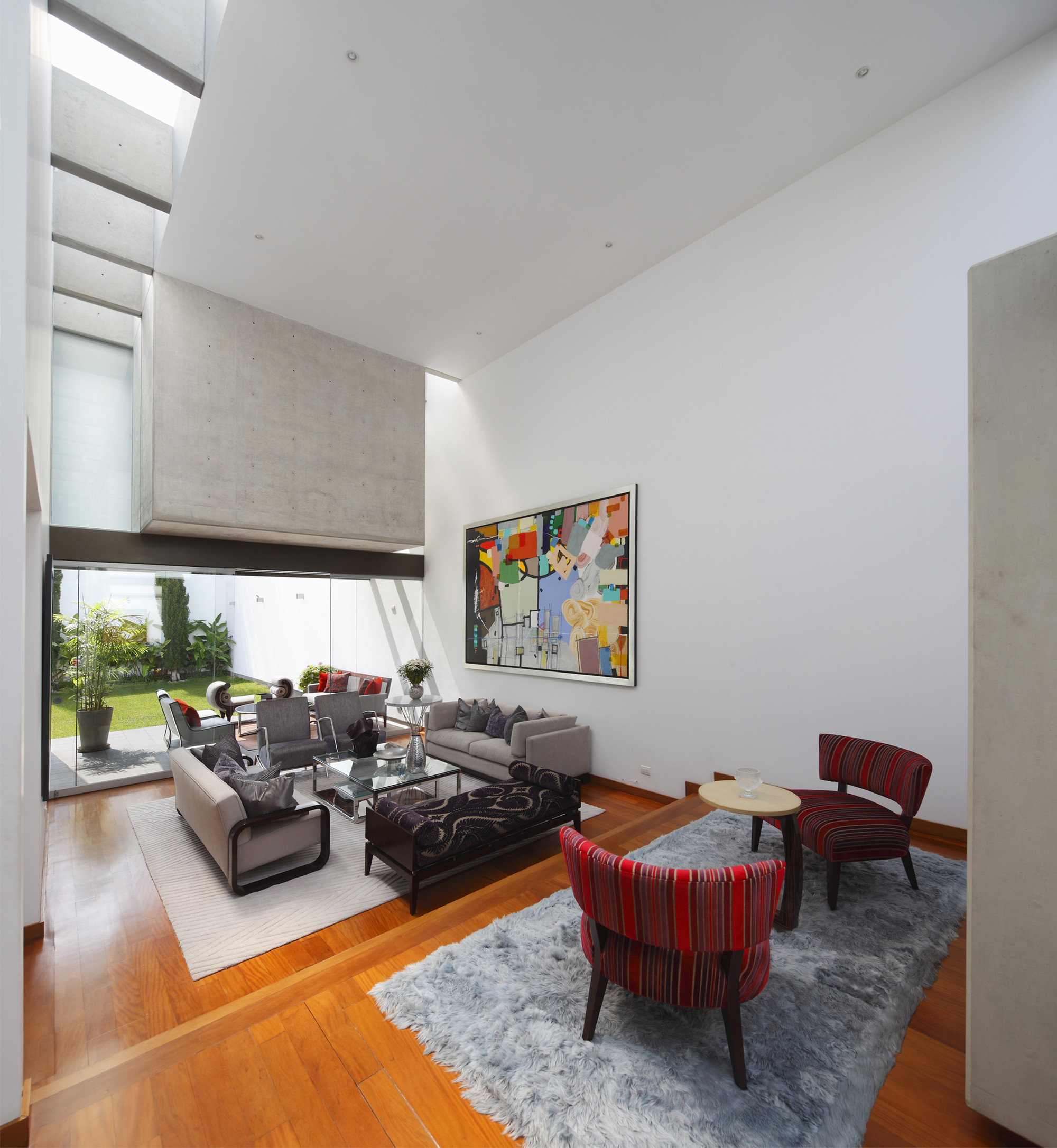 Patio House / Seinfeld Arquitectos