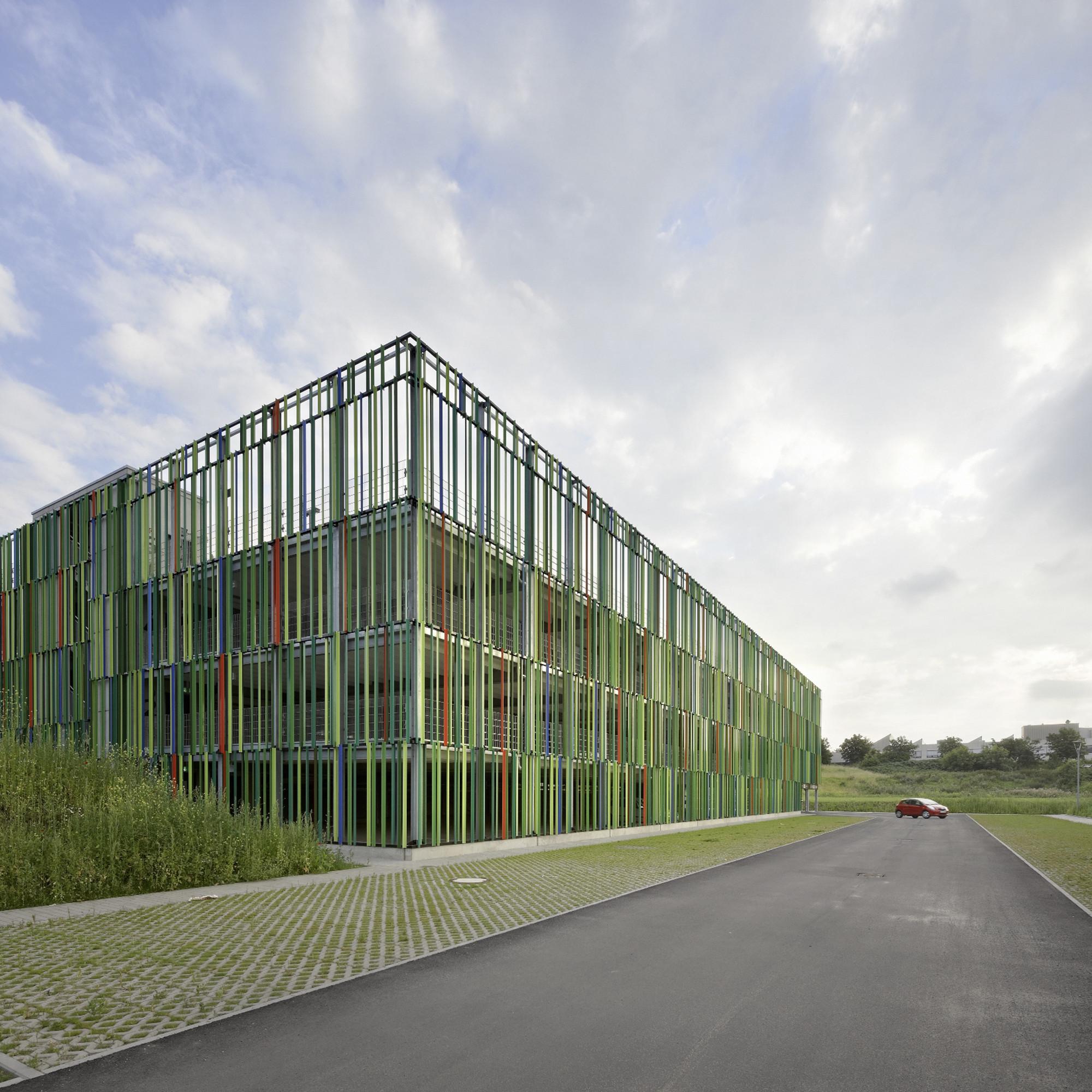 gallery of muliy storey car park jswd architekten 5. Black Bedroom Furniture Sets. Home Design Ideas