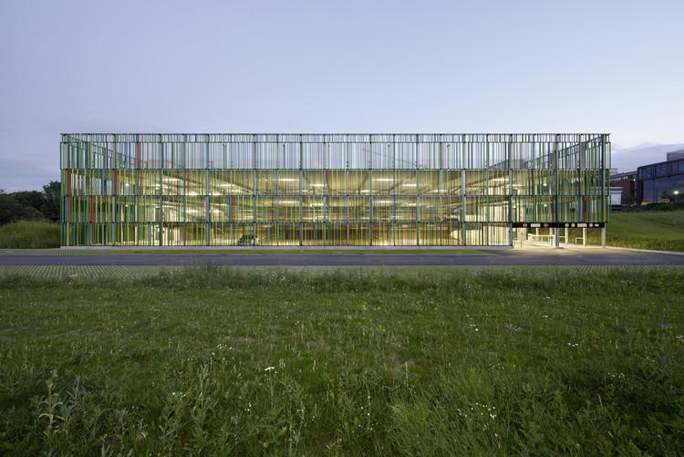 Edificio de estacionamientos / JSWD Architekten, © Thomas Lewandowski