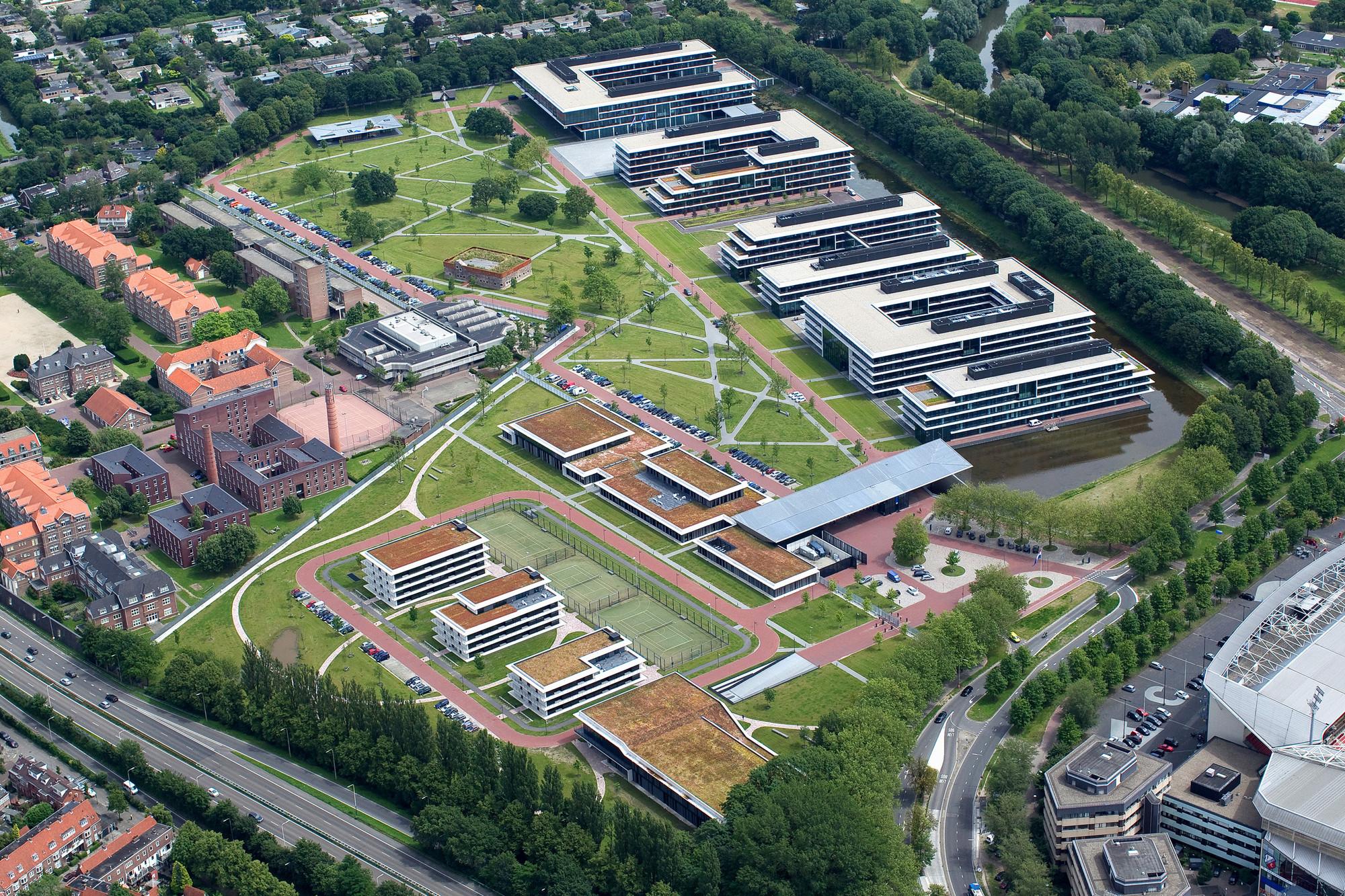 Kromhout Barracks / Karres en Brands + Meyer en Van Schooten Architecten