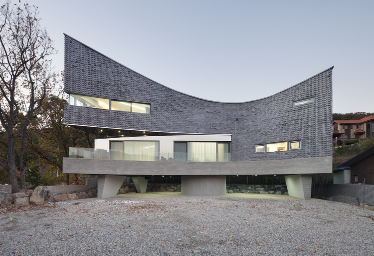 The Curving House / JOHO Architecture, © Sun Namgoong