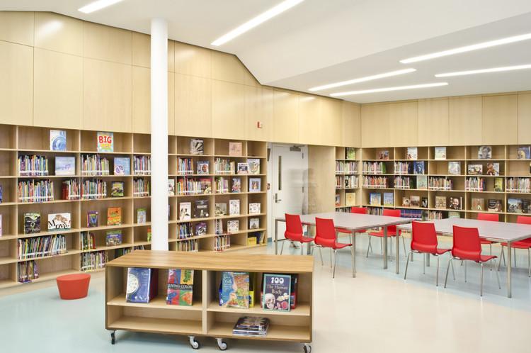 Biblioteca del Colegio Público 158 Bayard Taylor / A*PT ARCHITECTURE, Cortesía de Atelier Pagnamenta Torriani