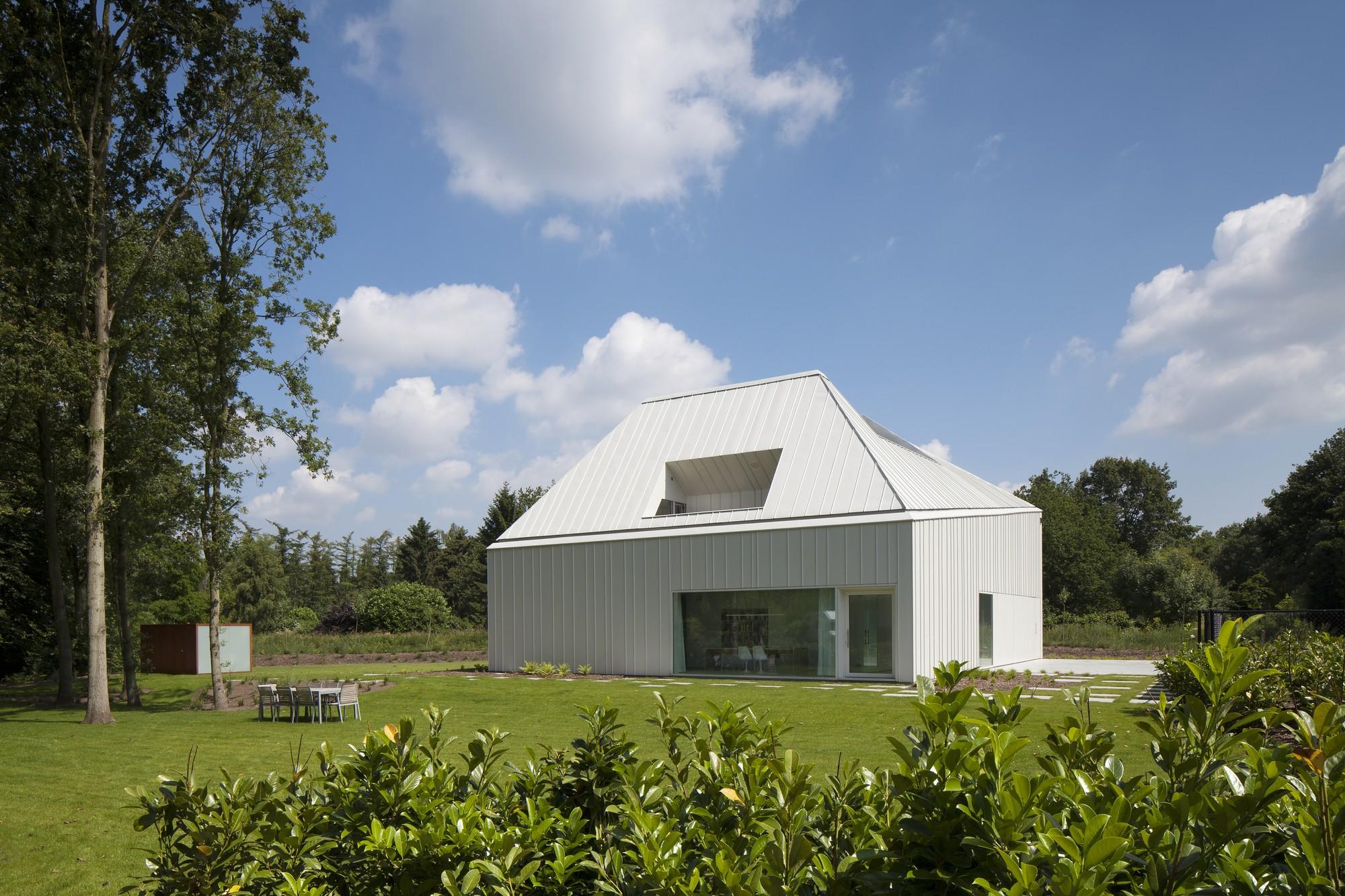 House VMVK / dmvA