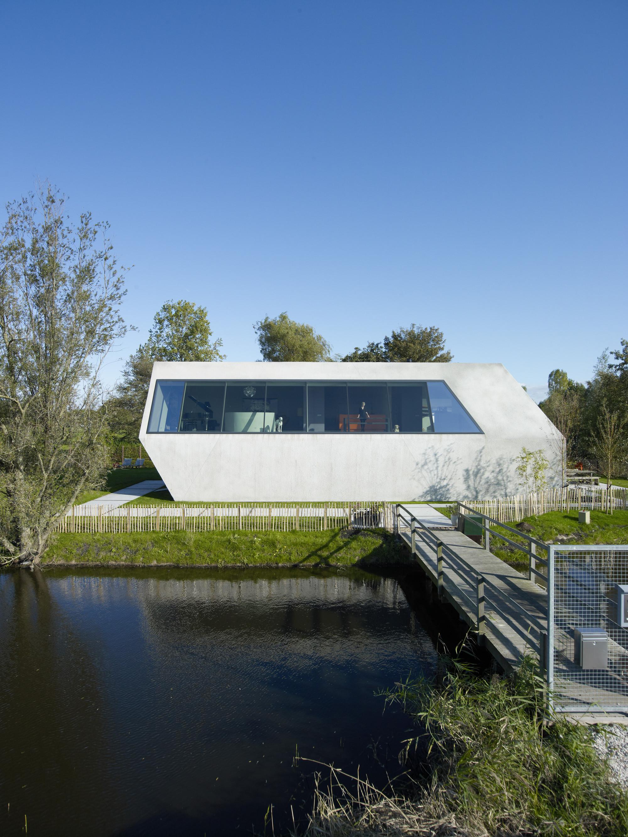 House SODAE / VMX Architects