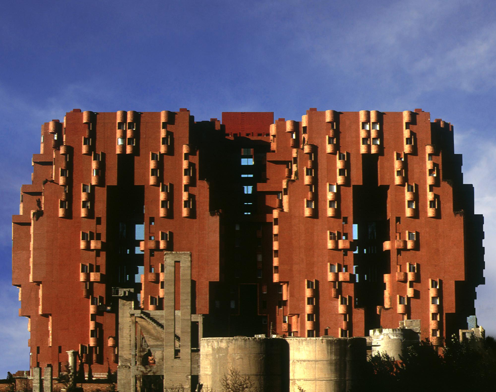 Gallery of ad classics walden 7 ricardo bofill 14 - Arquitectura barcelona ...