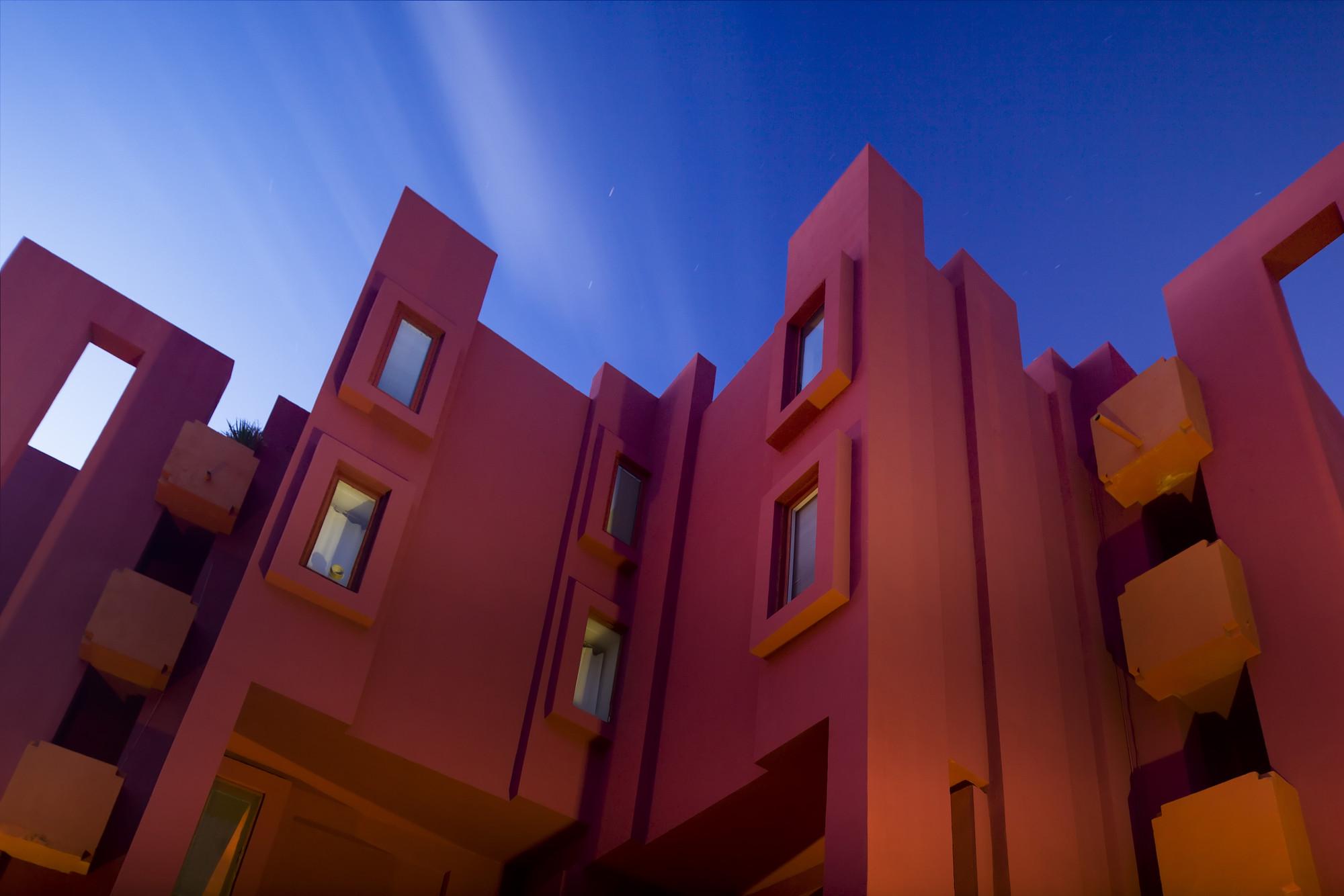 gallery of ad classics la muralla roja ricardo bofill 9. Black Bedroom Furniture Sets. Home Design Ideas