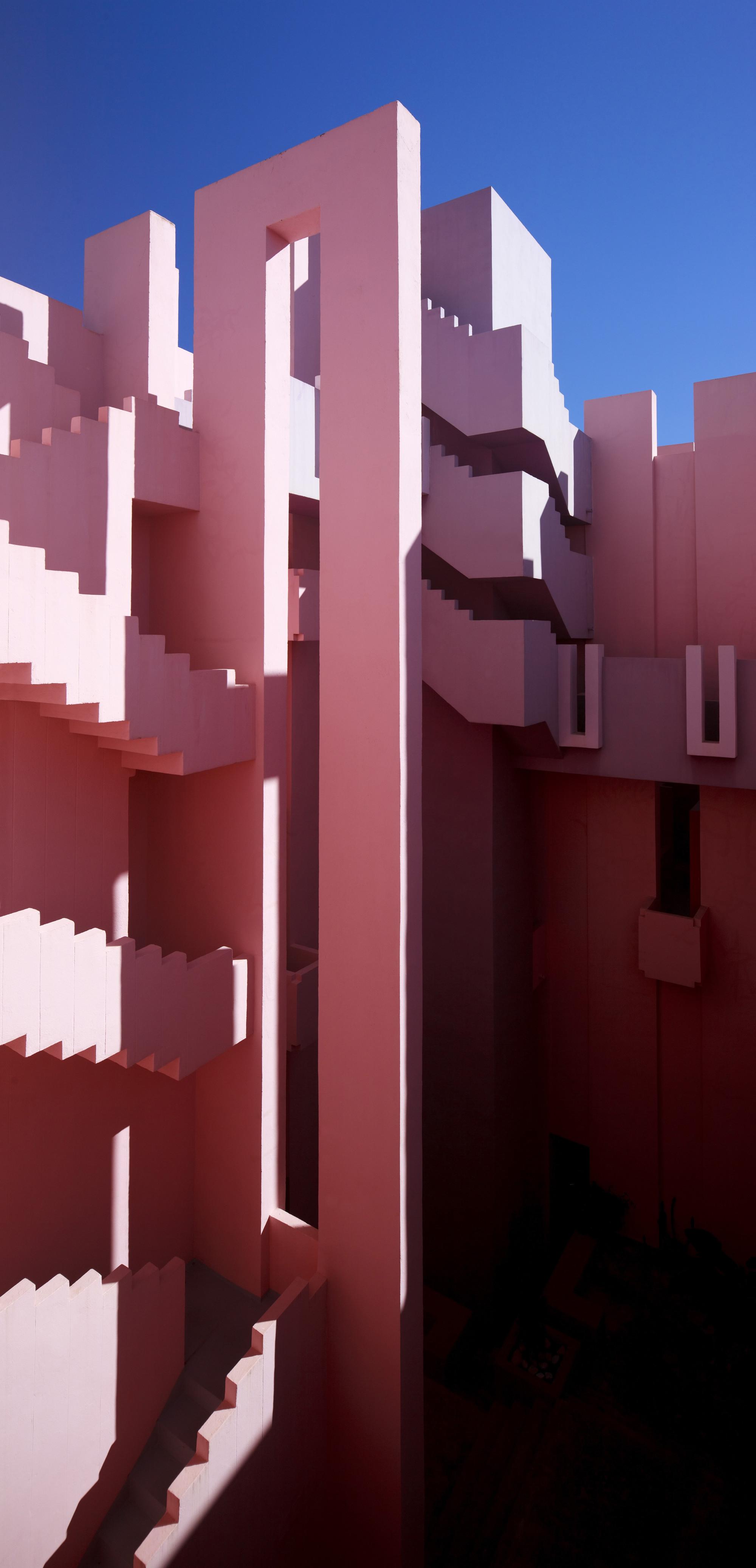 gallery of ad classics la muralla roja ricardo bofill 21. Black Bedroom Furniture Sets. Home Design Ideas