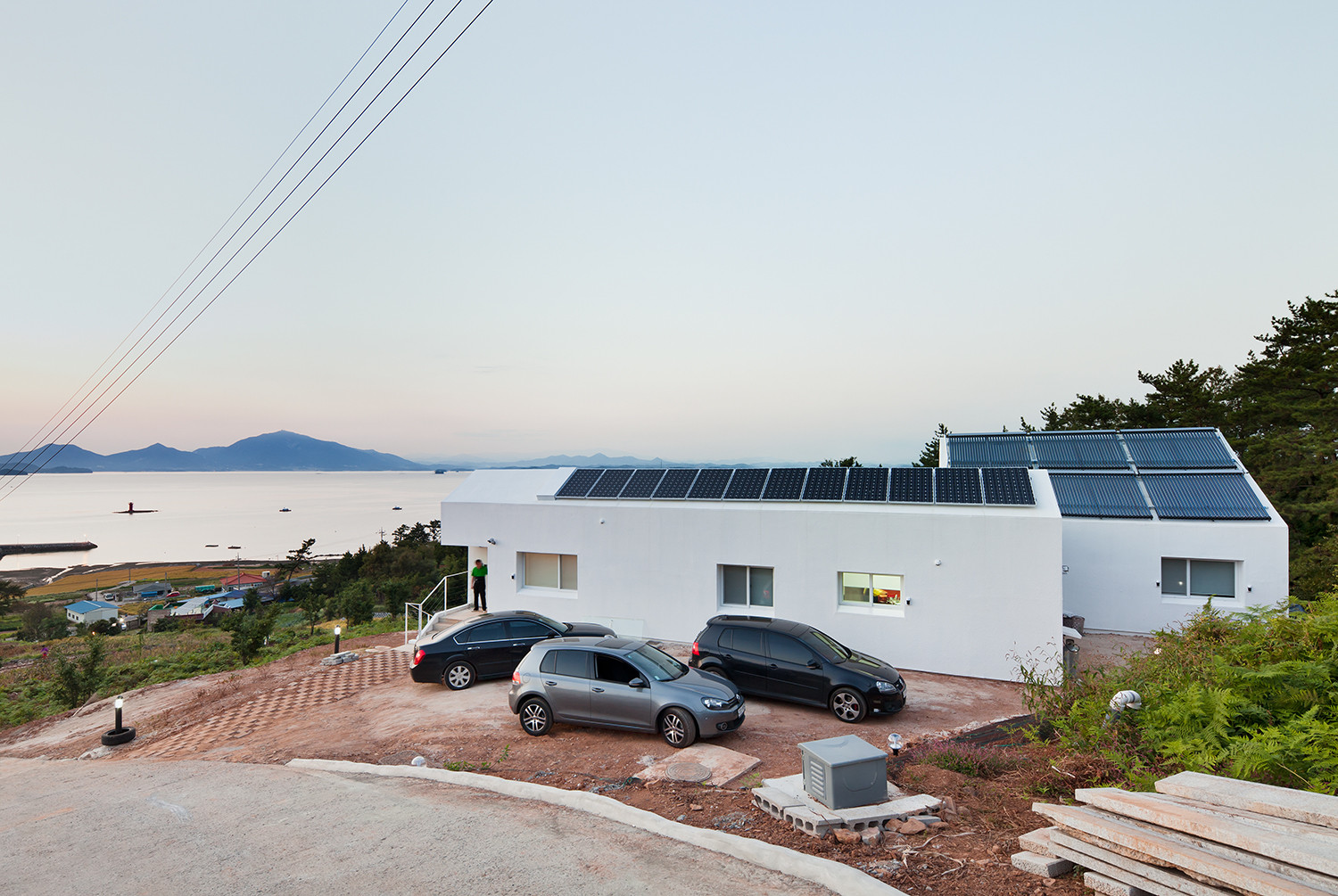 Net Zero Energy House / Lifethings