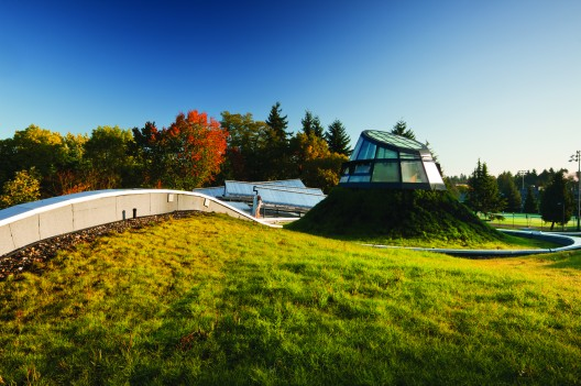 Centro de Visitas del Jardín Botánico VanDusen / Perkins+Will