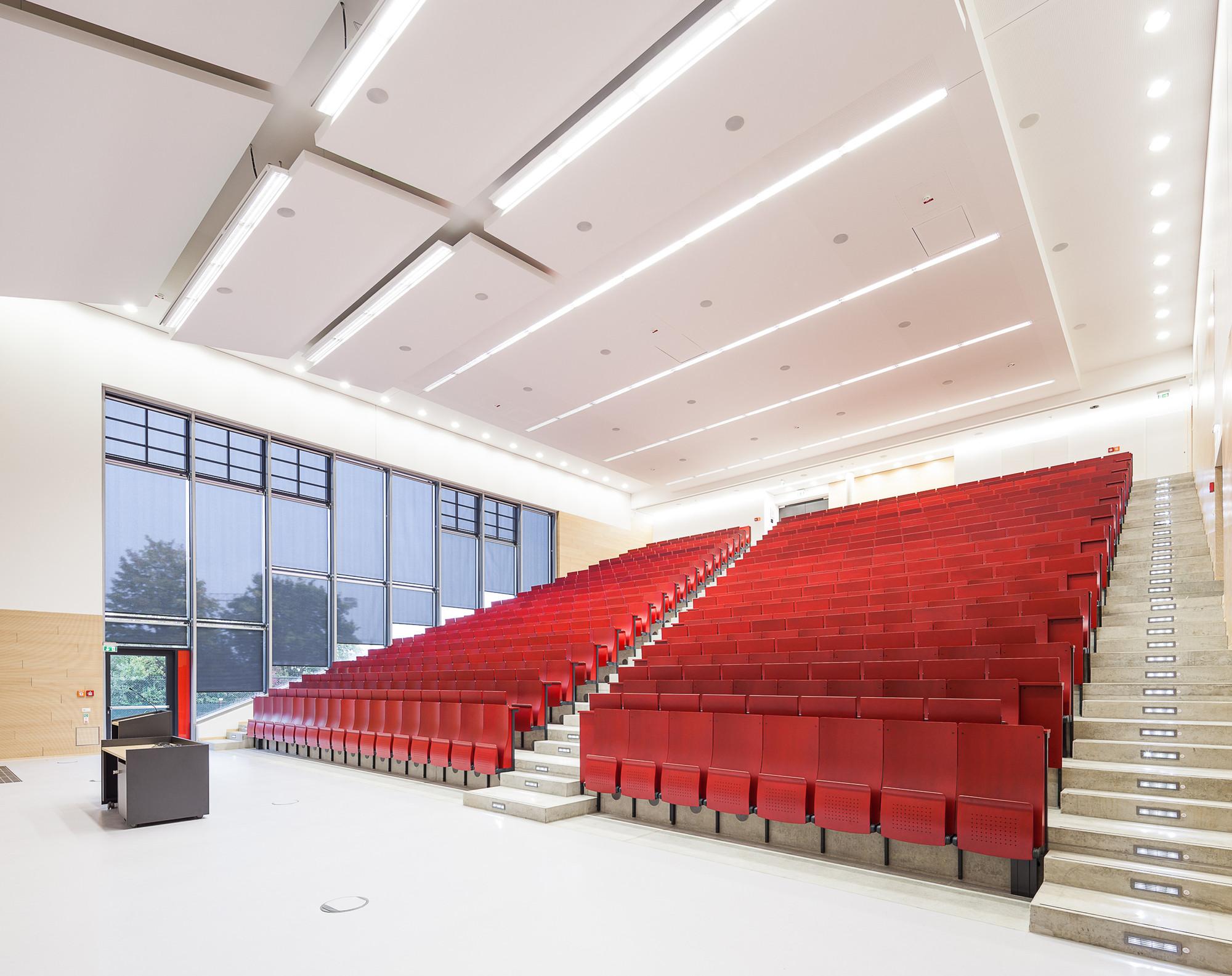 Hörsaalzentrum / HH+F Architekten