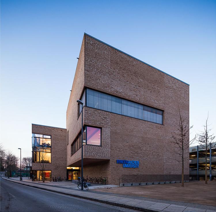 Hörsaalzentrum / HH+F Architekten, © Peter Hinschläger