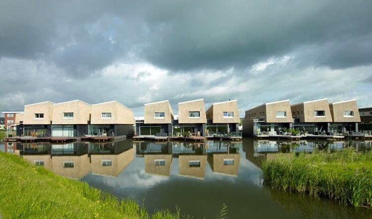 9 Houses on the Water / FARO Architecten + BLAUW Architecten, © Jeroen Musch