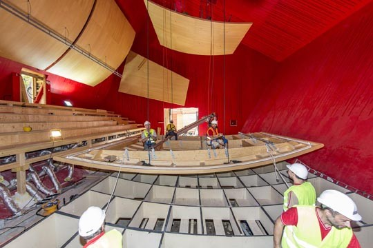 Gallery of renzo piano designs a flat pack auditorium for - Costo ascensore interno 1 piano ...