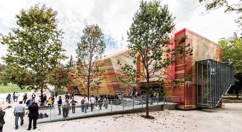 Renzo Piano Designs a Flat-Pack Auditorium for L'Aquila, © Marco Caselli Nirmal