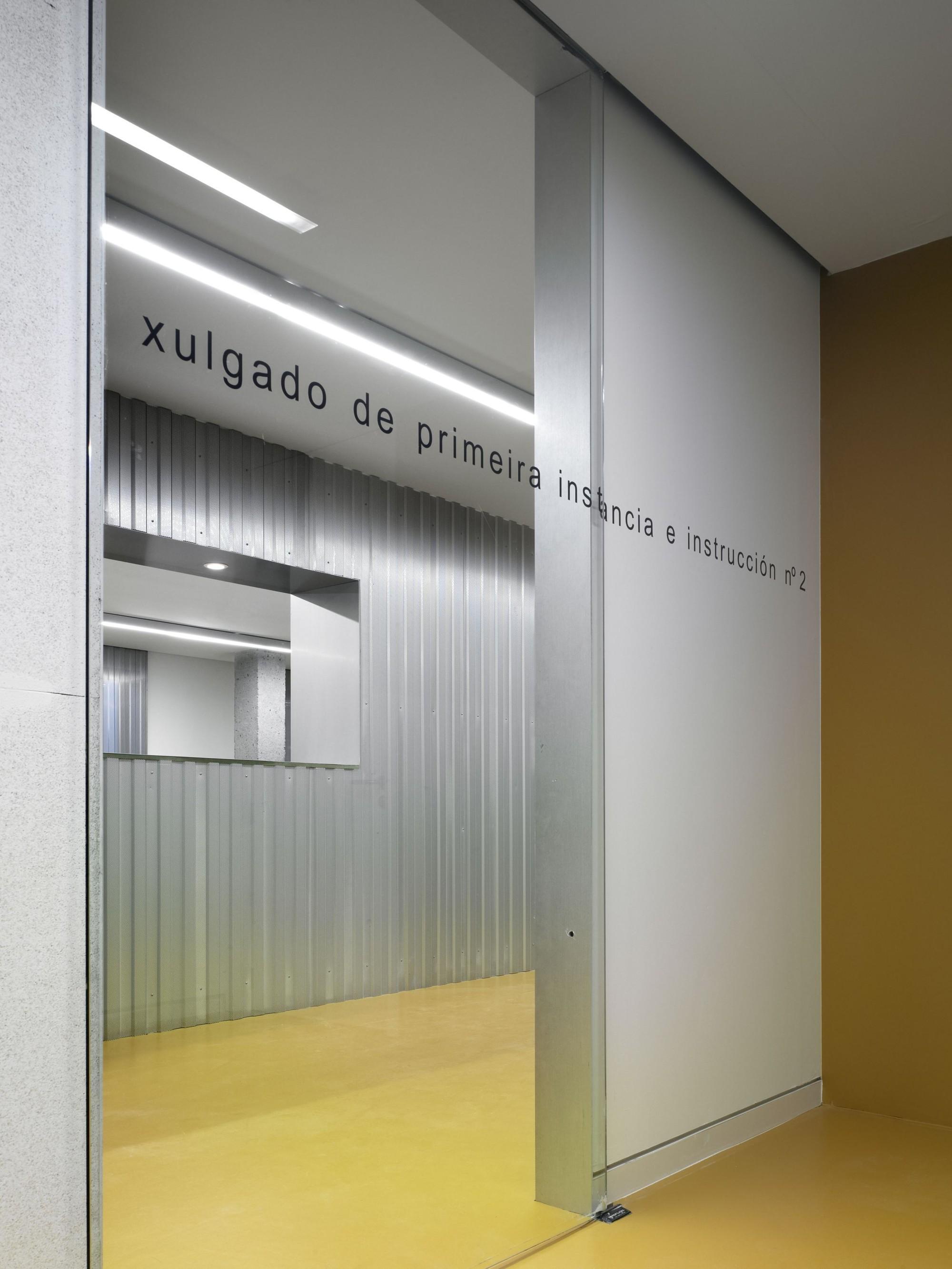 © Santos-Díez