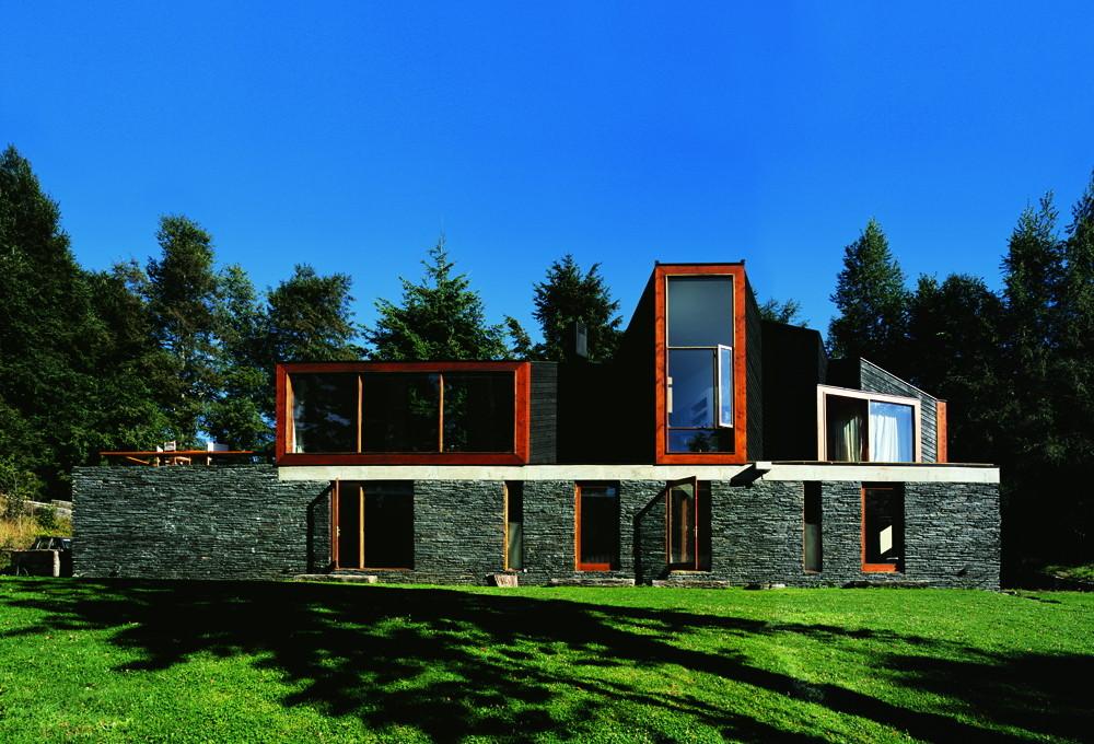 Casa lago pirihueico alejandro aravena archdaily m xico for Alejandro aravena arquitecto