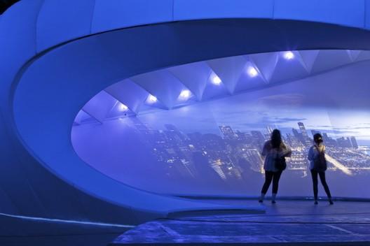 Imagen cortesía de  Zaha Hadid Architects © Michelle Litvin