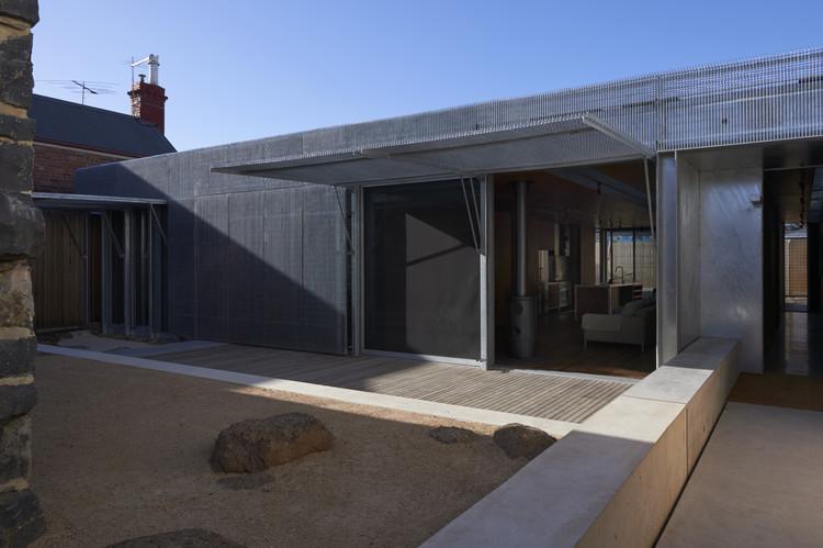 Casa Edward Street / Sean Godsell Architects, © Earl Carter