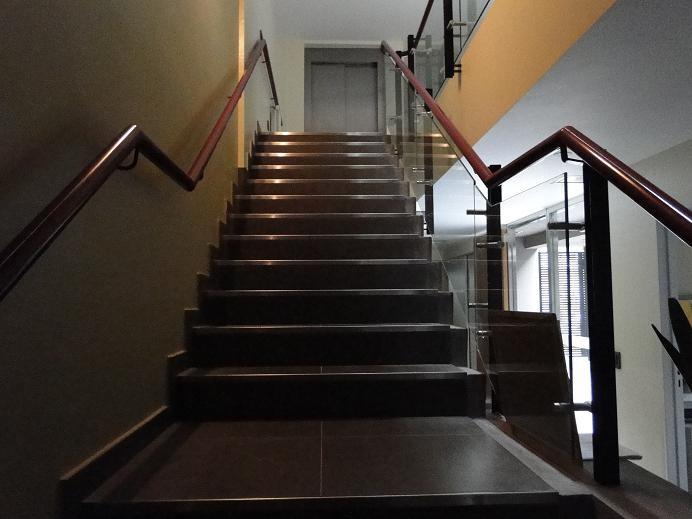 Galer a de casa comunidad mat as aguado 23 for Apliques para escaleras de comunidad