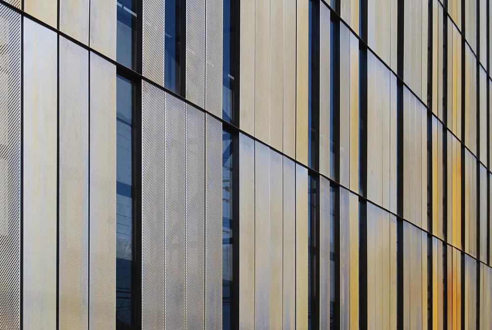 Edificio Block Social Nestlé / GH+A Guillermo Hevia Arquitectos