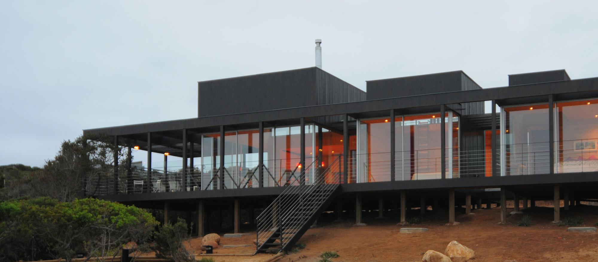 Casa Rodríguez Harvey / Loi Arquitectos, © Marcos Mendizabal