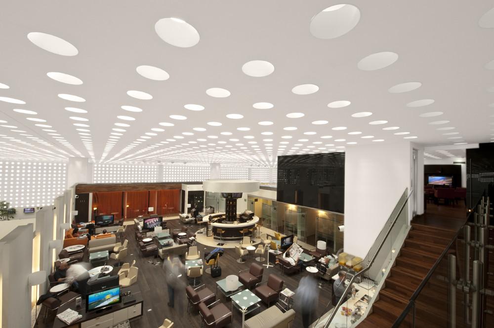 Salón de última espera terminal, Aeropuerto Internacional de la Ciudad de México / SPACE