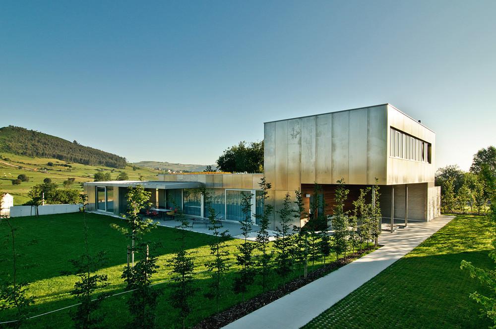 Casa - Taller de Arquitectura en Mijares / Eduardo Fernandez - Abascal Teira  + Florentina Muruzábal Sitges, © Pablo Ausúcua
