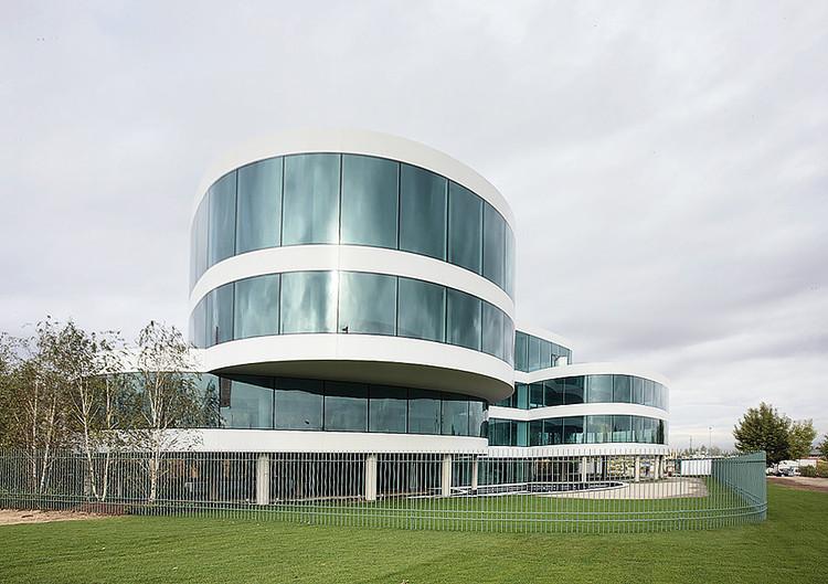 Lolita edificio de oficinas madrid abalos sentkiewicz for Oficinas envialia madrid
