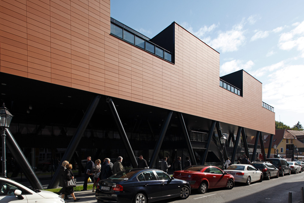 Centro Comercial Cascada / Radionica Arhitekture, © Boris Cvjetanovic